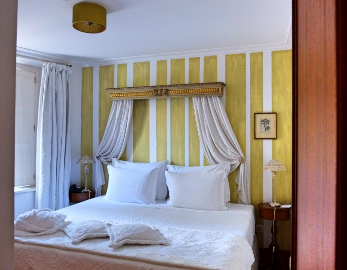 Lawrences-hotel-sintra-bedroom-3